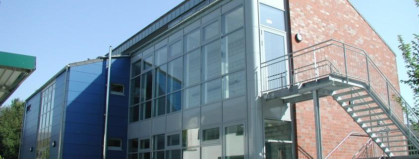 Johannesschule Willich mit Sporthalle